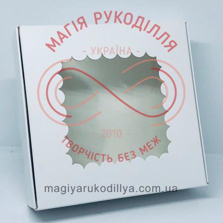Кондитерська/подарункова коробка для пряника з фігурним віконцем 150*150*50 - білий