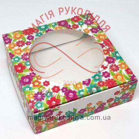 Кондитерська/подарункова коробка для пряника з круглим віконцем 150*150*50 - квітковий візерунок