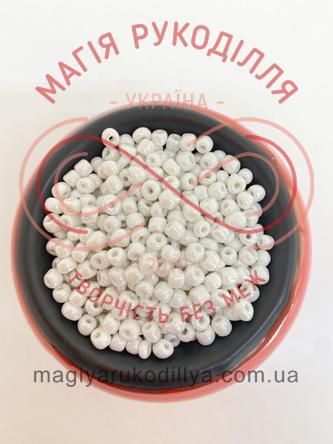 Бісер Китай 6/50грам - №011/121 білий перлистий