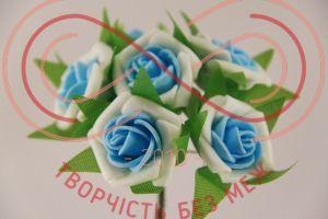 Бутон'єрка троянда акрилова на ніжці d3смh10см(гілочка) - біло-блакитний
