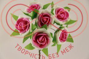 Бутон'єрка троянда акрилова на ніжці d3смh10см(гілочка) - біло-малиновий