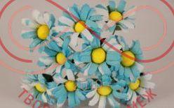 Бутон'єрка ромашка двокольорова тканинна на ніжці d2,5смh6,5см(гілочка) - біло-блакитний