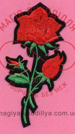 Термоаплікація 4,8см*9,8см - гілка троянди з бутонами червоний, зелене листя