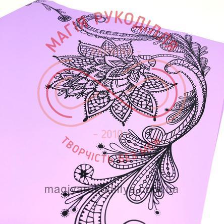 Калька пакувальна двостороння з квітковою рамкою чорного кольору - відтінки бузкового