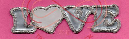 Термоаплікація шкірзам 12,5см*3см - LOVE сріблястий