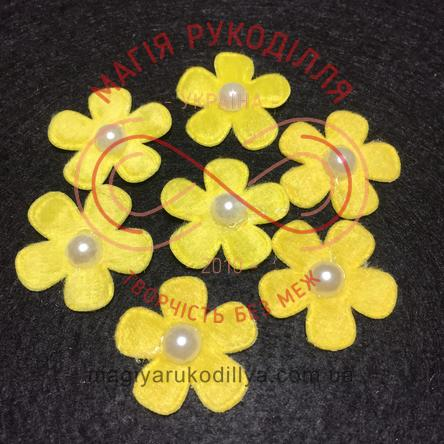 Фетрова заготовка квітка з напівперлиною d2,6см - жовтий