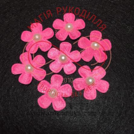 Фетрова заготовка квітка з напівперлиною d2,6см - рожевий