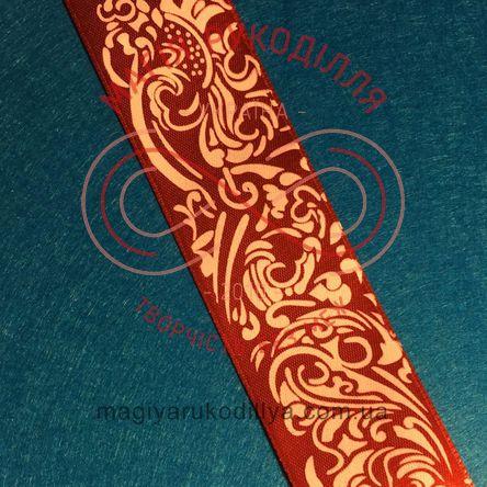 Стрічка з малюнком атласна 40мм візерунок червоний фон